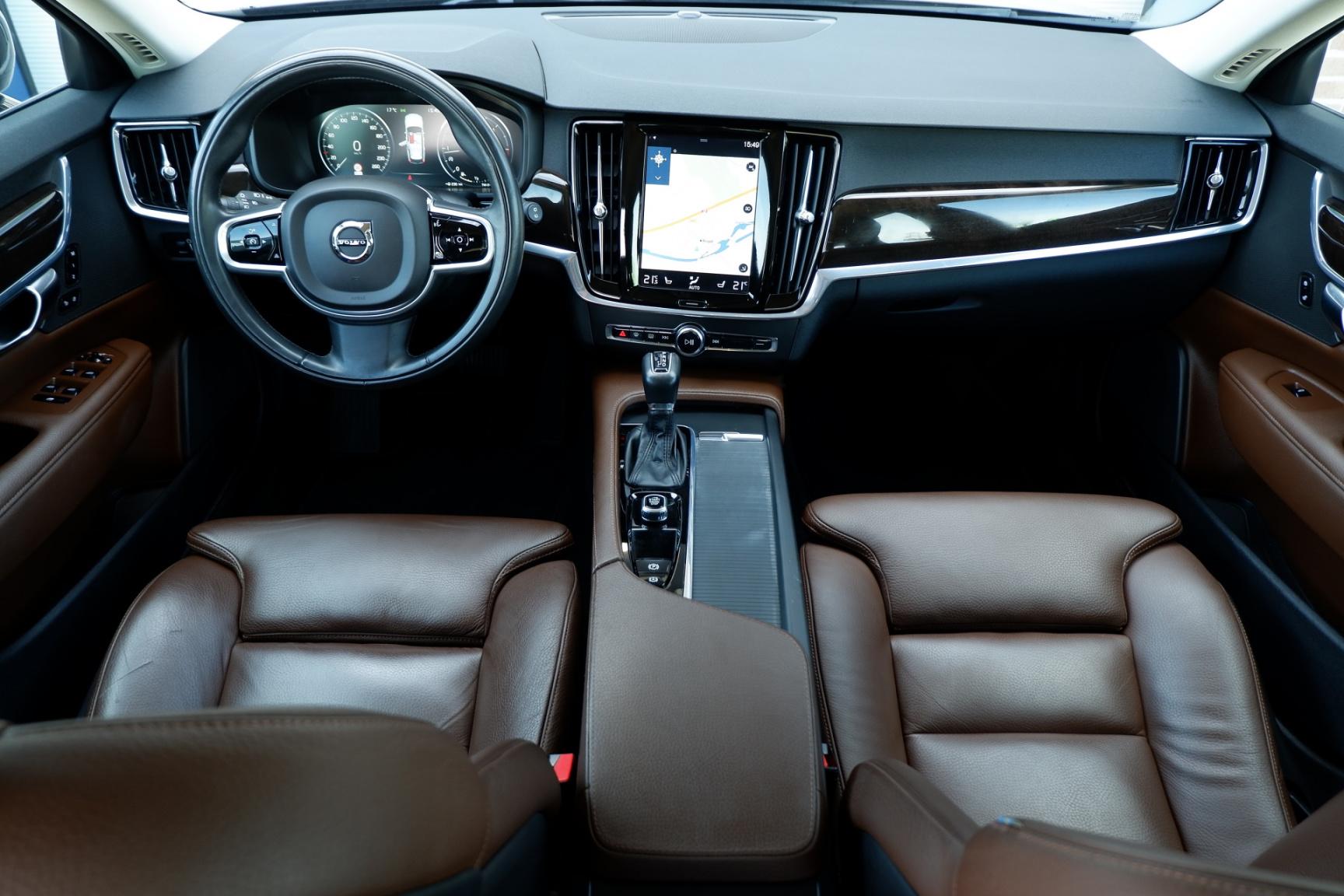 Volvo-V90-1