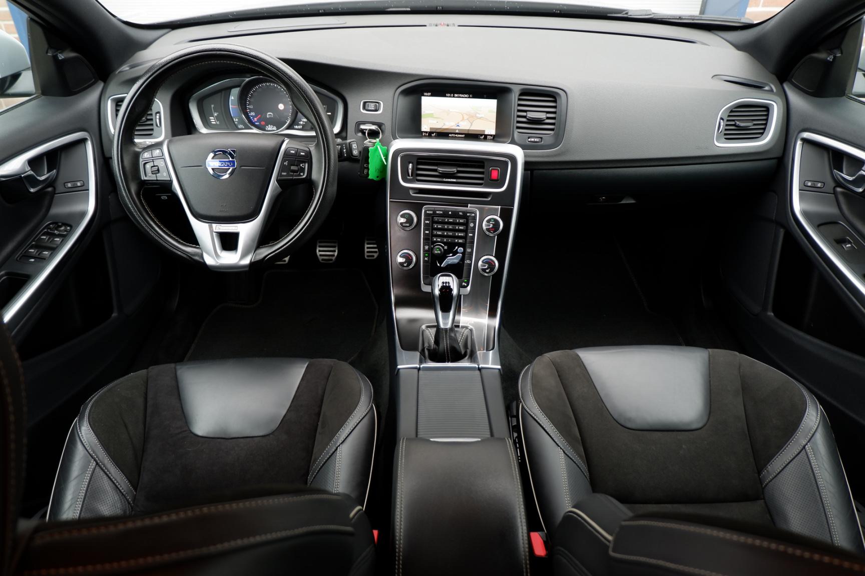 Volvo-V60-1