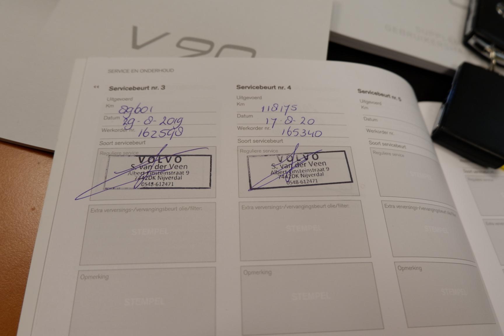 Volvo-V90-40