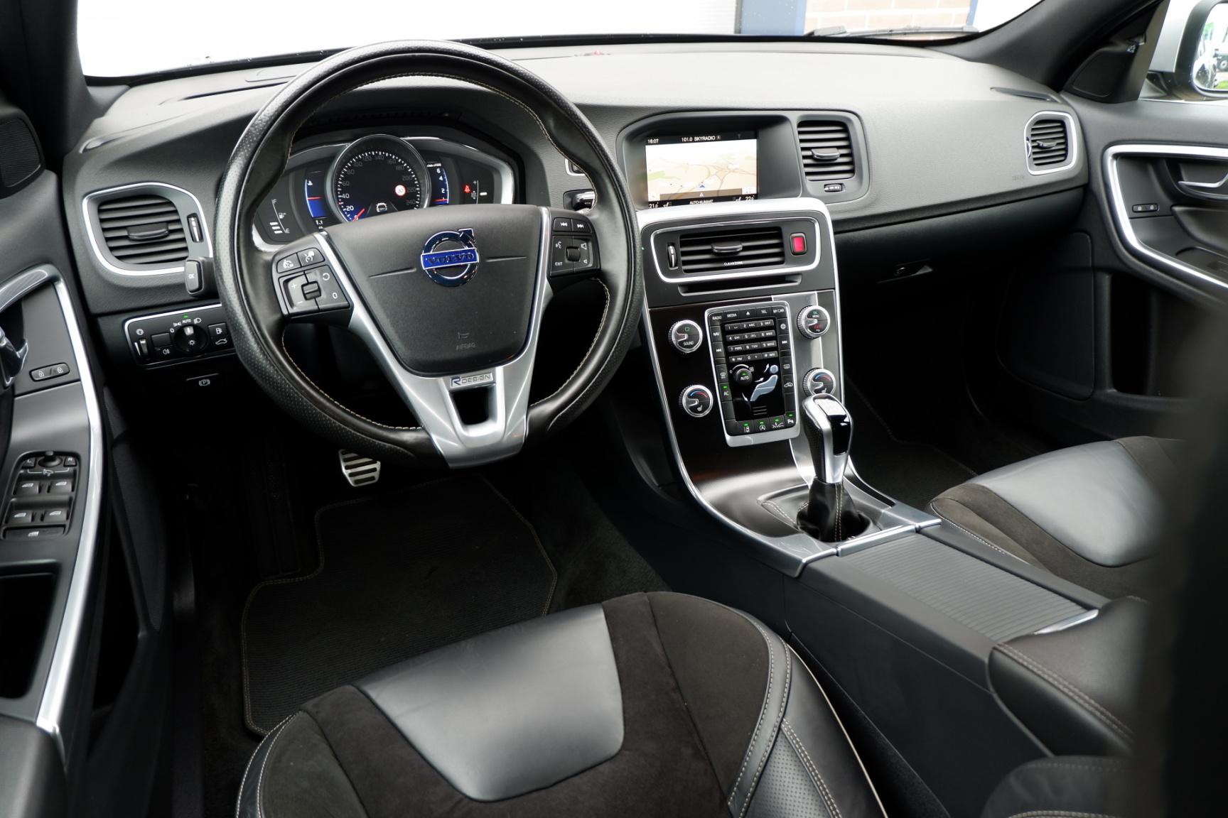 Volvo-V60-9